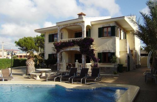 Villa with sea views in El Toro
